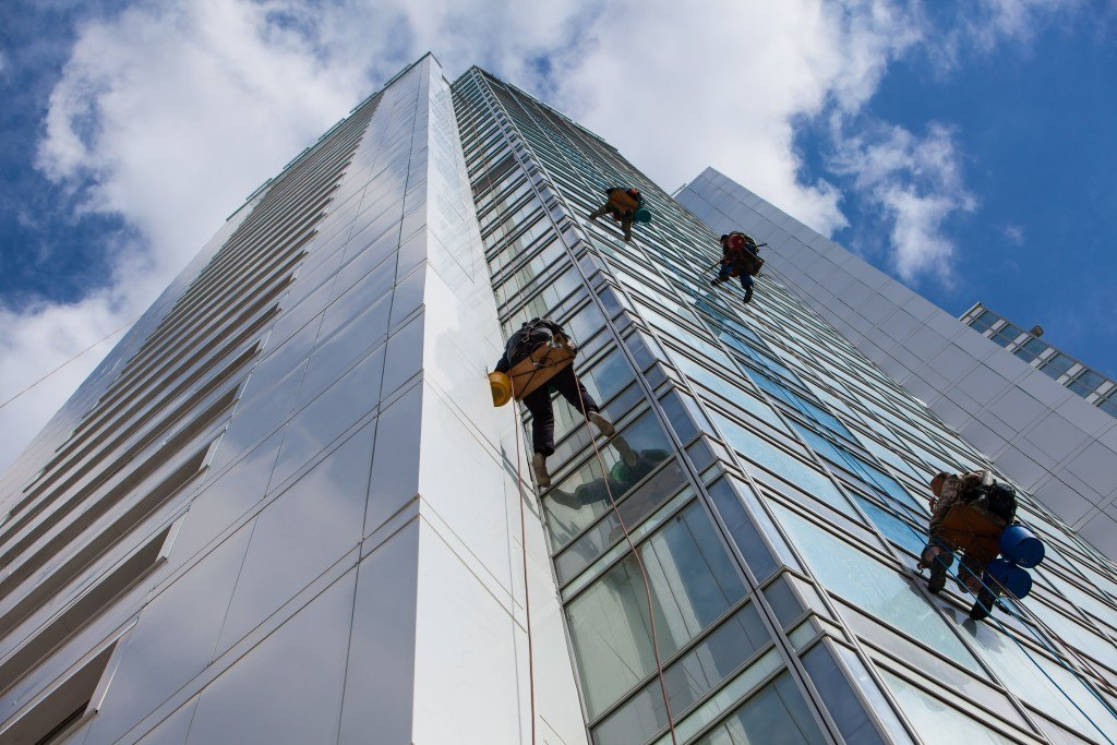 Cleaning Windows And Buildings